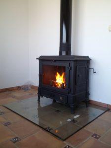 Calefacci n ecol gica y econ mica con repica biomasa - Estufas de lena para calefaccion con radiadores ...